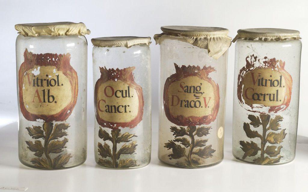 Pots de farmàcia (c. 1700). Font: Wellcome Library, London - Wellcome Images